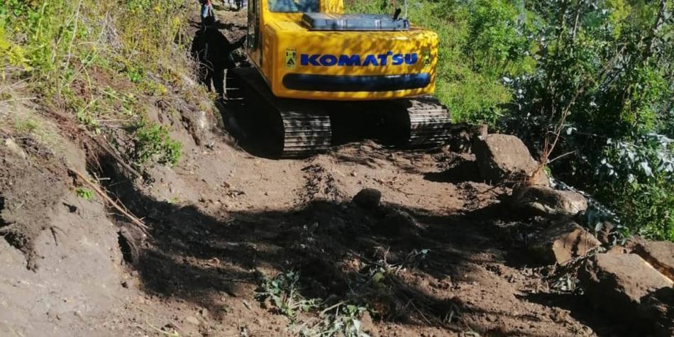Retroexcavadora ilegal en resguardo indígena de Chía.