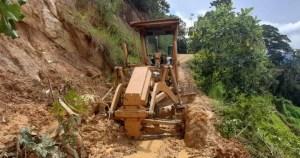 Remoción de derrumbes en Ubalá
