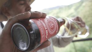 Botella de cerveza de quinua Don Vicente.