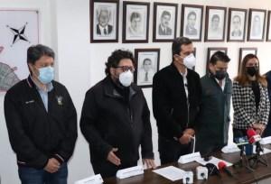 Gobernador de Cundinamarca y alcalde de Soacha firman convenio para construir nuevo hospital del municipio.